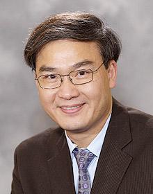 深圳希玛林顺潮眼科医院院长、香港医学专科学院院士:林顺潮教授