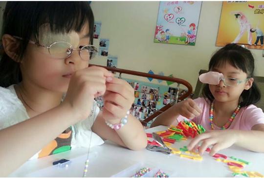 小孩弱视的微细症状及治疗